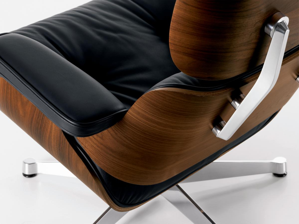 Vitra lounge chair ottoman by charles ray eames 1956 for Chaise design charles eames