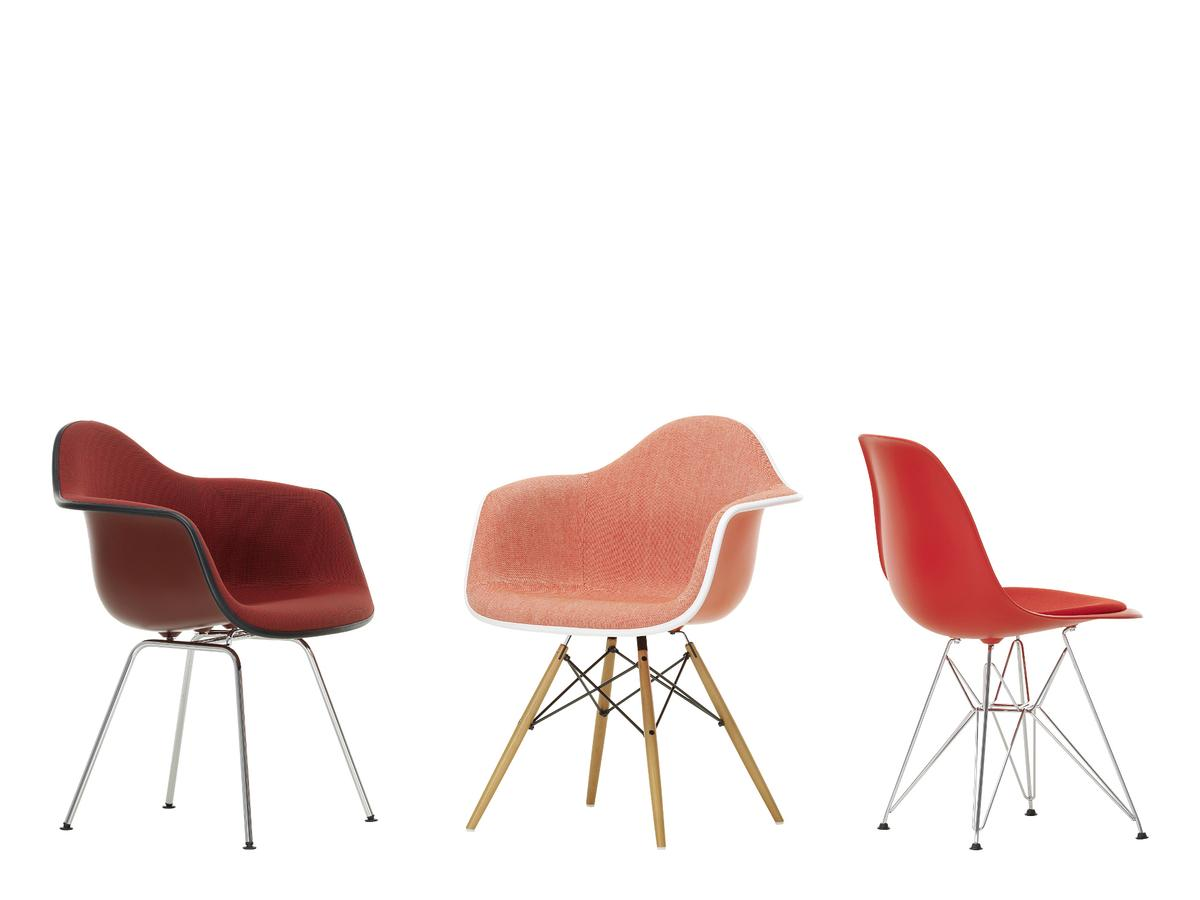 Vitra eames plastic side chair dsx by charles ray eames for Design eames