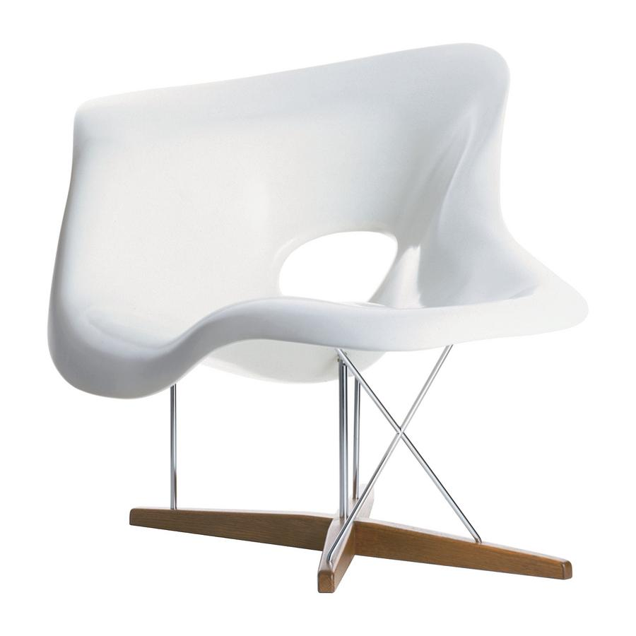 Vitra la chaise by charles ray eames 1948 designer furniture by for Prix chaise eames vitra