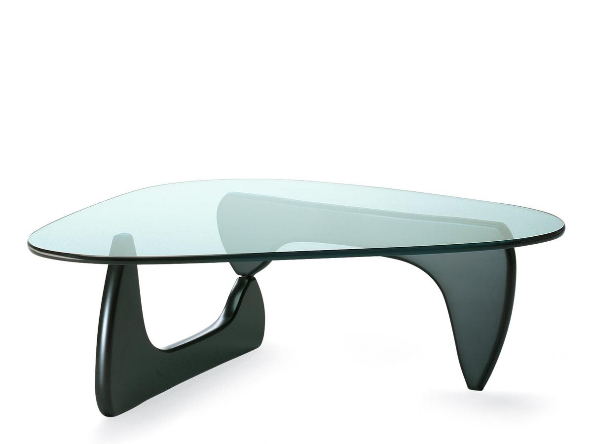 Vitra coffee table by isamu noguchi 1944 designer for Table basse design noir