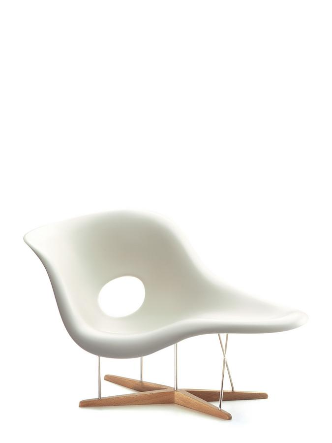 Vitra la chaise miniature by charles ray eames 1948 - Chaise eames belgique ...